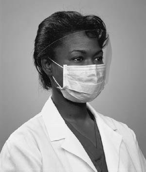 3M™ FLUID RESISTANT SURGICAL & PATIENT CARE MASKS : 1820 CS