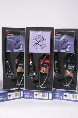 3M™ LITTMANN ELECTRONIC STETHOSCOPE MODEL 3200 : 3200NB EA                $457.91 Stocked